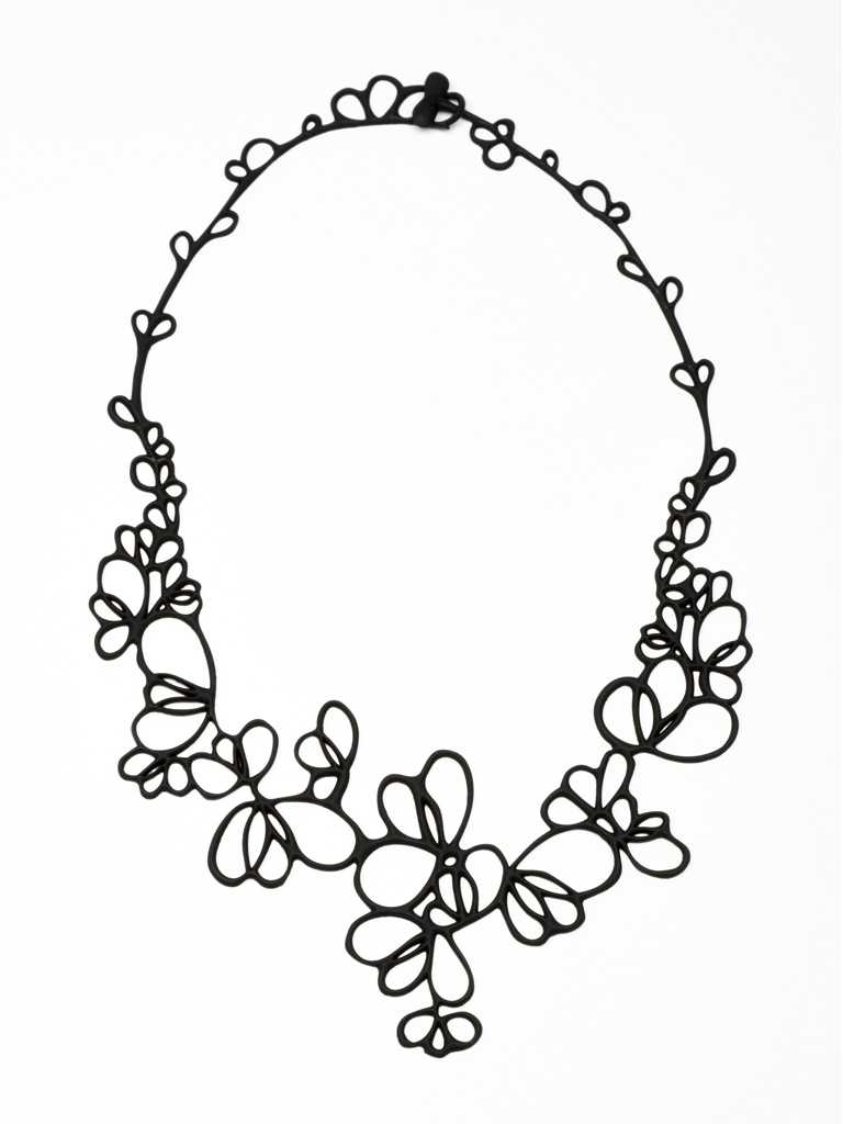 BATUCADA: PETALS NECKLACE,4-01-01-03